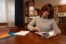 Woman-budgeting
